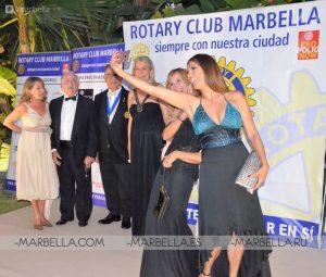 Ivonne Reyes en Rotary Club Marbella 006