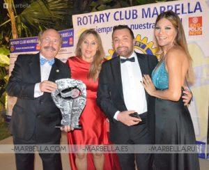 Ivonne Reyes en Rotary Club Marbella 014
